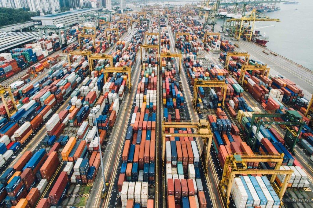 Você conhece a recompra de container? Isso te ajuda a evitar altas taxas de demurrage