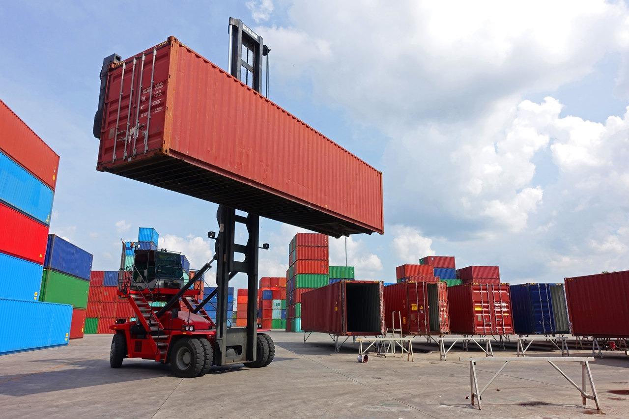 Compra de container: saiba a diferença entre SOC e COC e as vantagens de cada um para o embarque