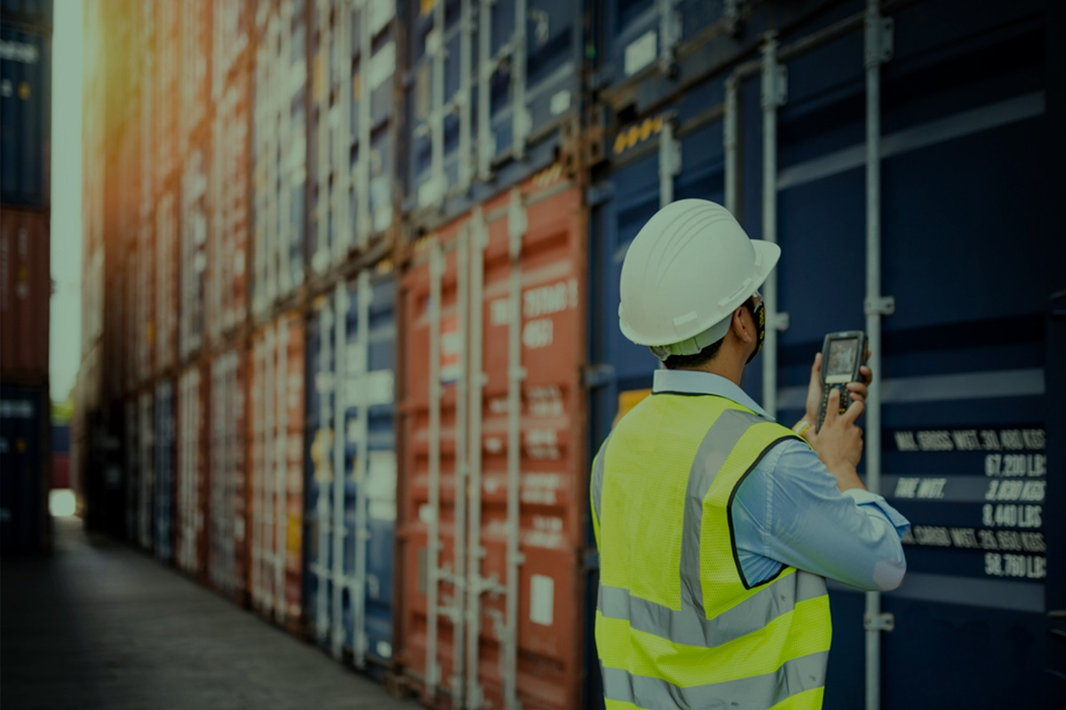 Saiba a importância da compra de container vistoriado